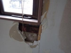 鉄骨造ALC版の外壁からの雨漏り