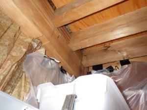 天井裏の雨漏りの状況