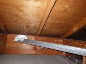 天井裏の雨漏りを確認