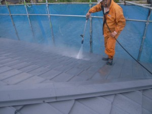 金属瓦高圧洗浄