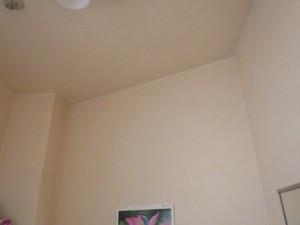 天井や壁には雨ジミは無い