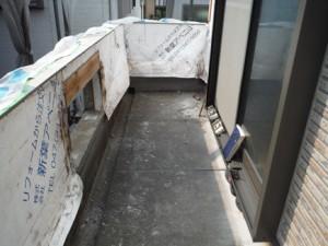 手摺壁の雨漏り被害