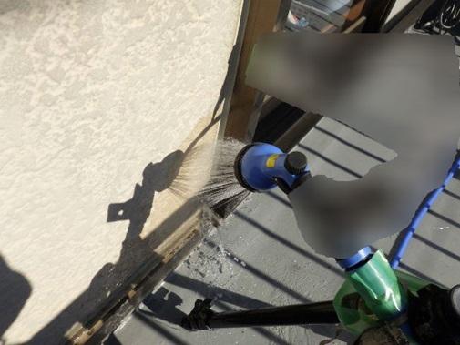 サッシ枠と外壁の境散水調査