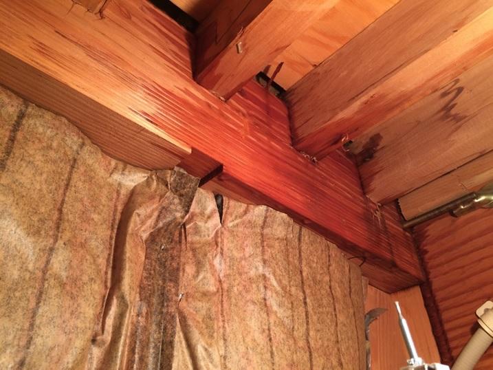 天井裏の雨漏り